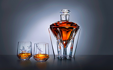 The Queen's accession, John Walker & Sons, Scotch Whisky Distillers By Appointment to Her Majesty The Queen