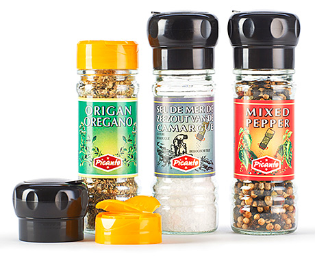 A bespoke jar for Belgian spice brand ISFI: With its unique neck finish, the jar accommodates two different types of cap. This allowed ISFI to avoid having to purchase two sets of neck equipment for the same jar.