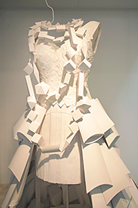 Constructed using 280 packages and 320 teabags, the Sappi gown was made at the workshop of artist Isabelle de Borchgrave