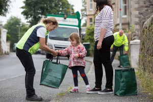 Amy & Niamh (4) help Anne Shaw of Fyne Futures with the curb-side collection for the launch of Zero Waste Bute, Scotland's second Zero Waste Town (and the world's first Zero Waste Island). More info from Sarah Stuart, Zero Waste Scotland 07715 066461