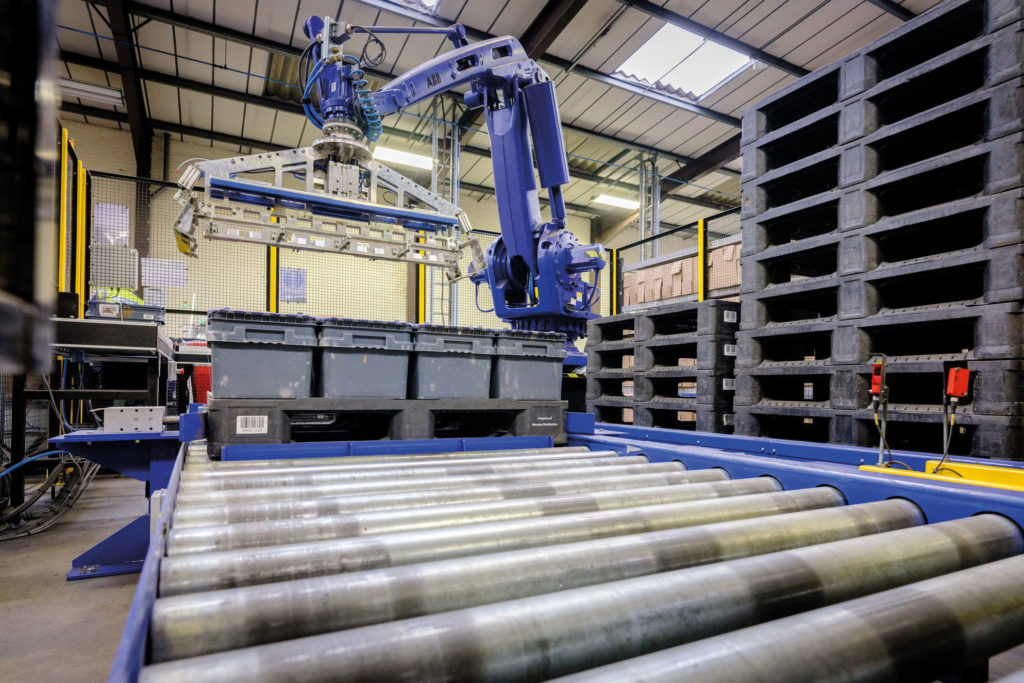 Plastic pallets in automation